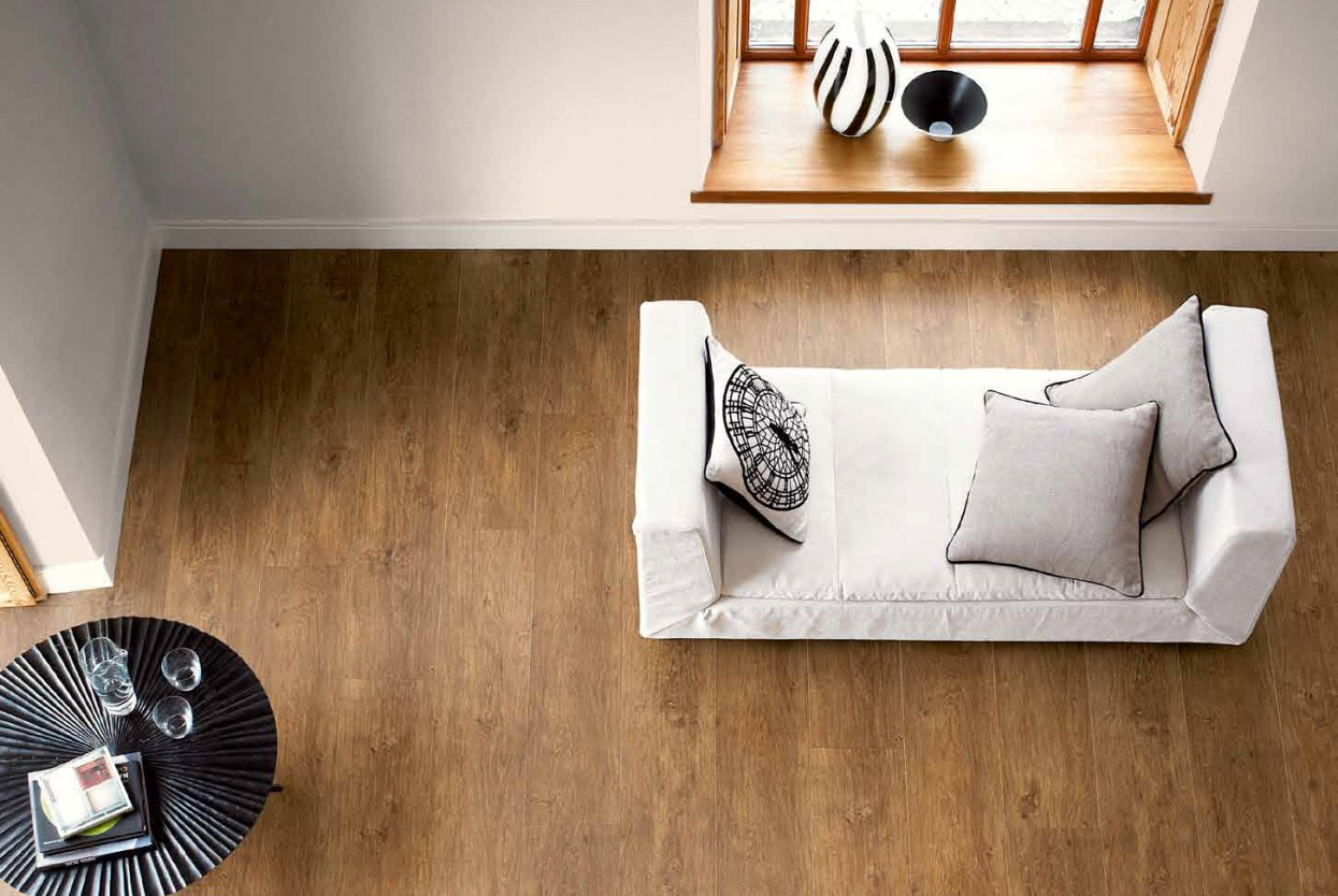 Amtico Signature Varnished Oak residential and commercical lvt wood flooring design web
