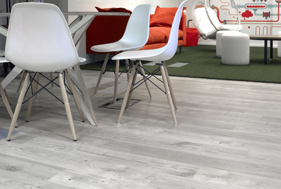 Amtico Access  Sun Bleached Oak  commercial luxury vinyl tiles wood flooring design web