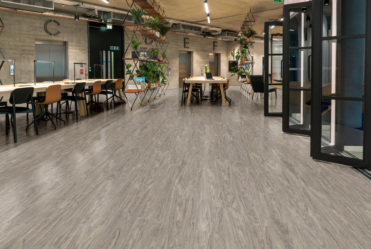 Amtico Signature Shore Oak Web