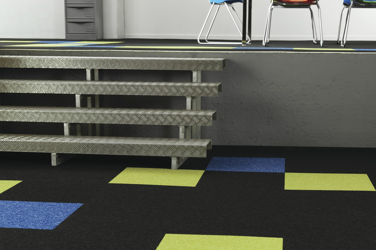 300 dpi 403C CloseUp carpet Winter 999 GREY 5 web