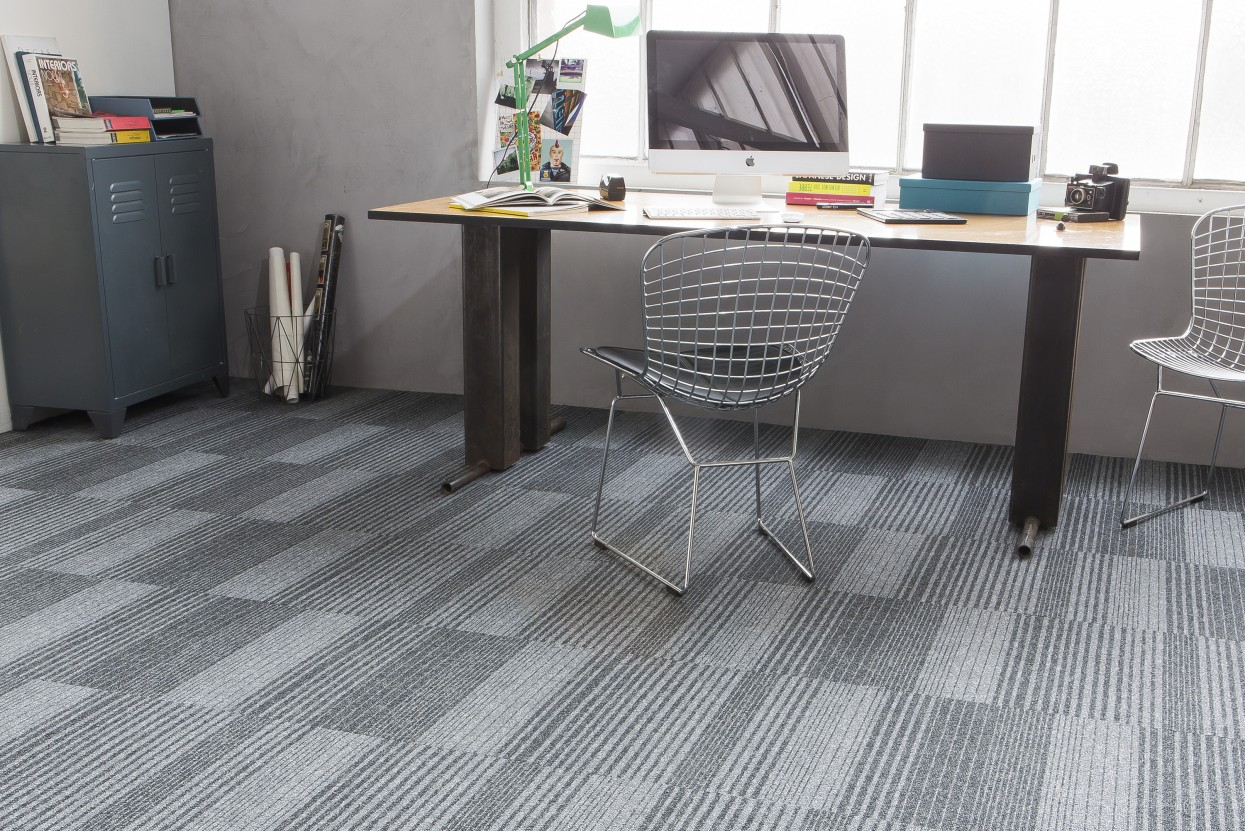 300 dpi 460U RoomSet carpet Season Lines 941 GREY 3 web
