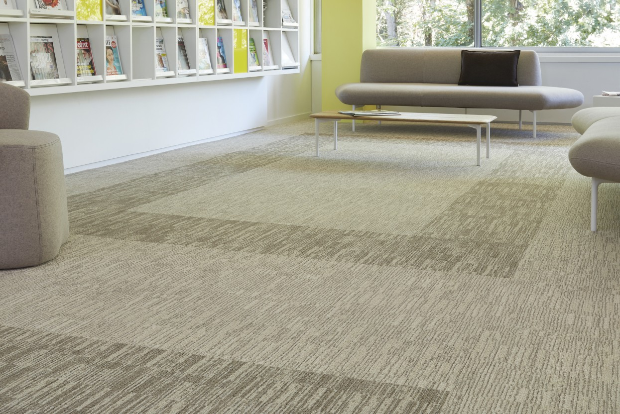300 dpi 4ED5 RoomSet carpet SHADES 620 640 BEIGE 3 web