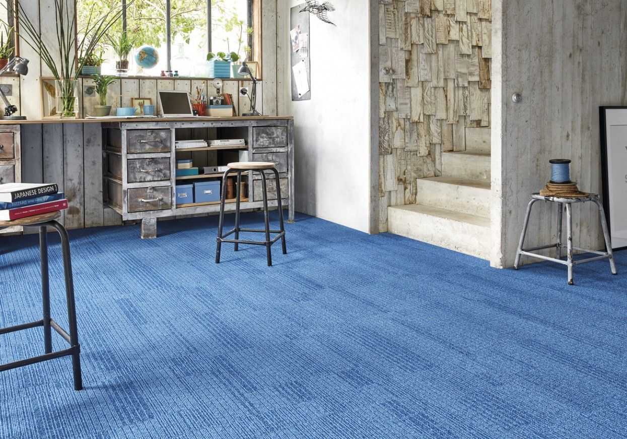 72 dpi 4B1D RoomSet carpet RIVER 160 BLUE 2